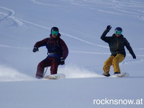 Surf the pow together down